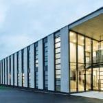 Hager: Vorübergehende Aussetzung der Produktion an fünf Standorten
