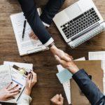 Gira und Schüco kooperieren in der vernetzen Gebäudetechnik